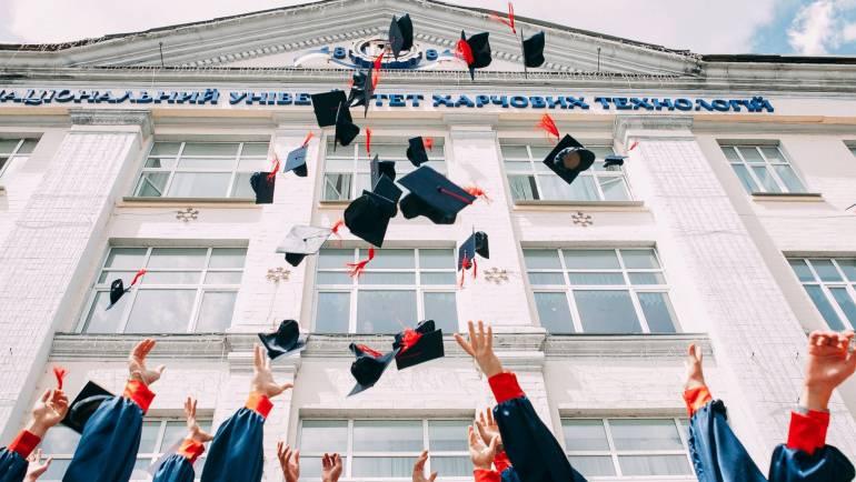 How Diploma Studies Benefits an Individual